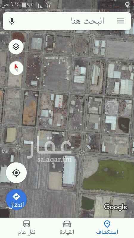 1066081 ساحة مسورة ومزفلته وتوجد بها مكاتب وسكن عمال في المنطقة المساندة لميناء الملك عبدالعزيز تصلح لشركات النقل او للتجار اصحاب البضائع للتخزين