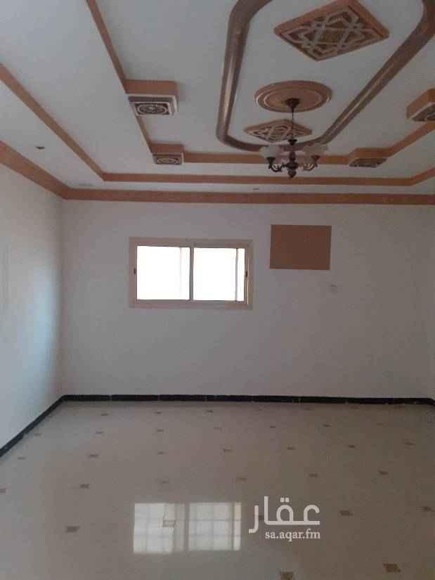 1700665 دور ارضي في حي الرمال الذهبي مستخدم مجددة بالكامل شارع 20شمالي لتواصل ابو فارس