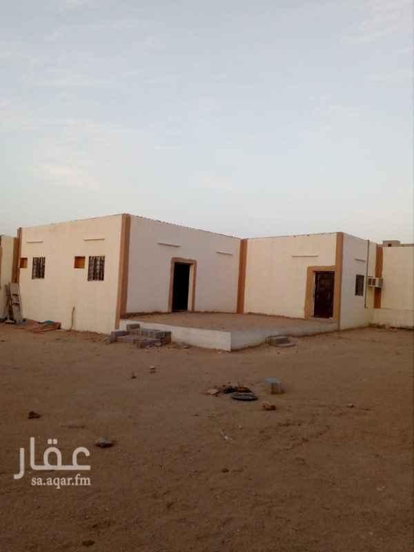 1677233 بيت شعبي للايجار يناسب العوائل والشباب مكون من غرفتين وصالة ومطبخ مؤثث ودورة مياة وحوش كبير