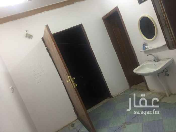 1465885 غرفه واسعه مكيف شباك مع مطبخ ودوره مياه سويت في استراحه