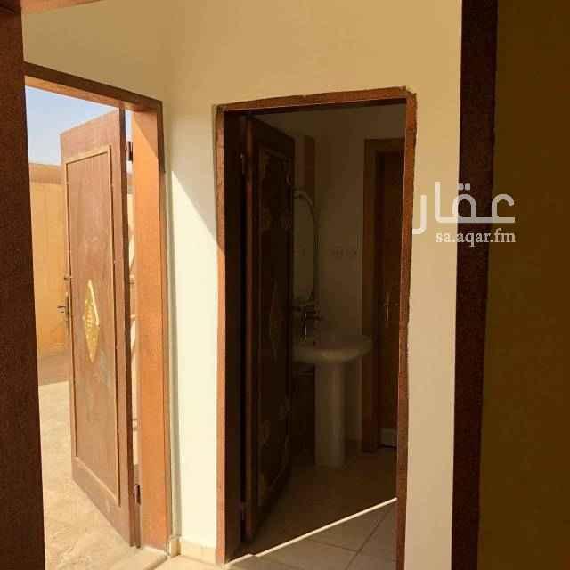 1695077 شقة أربع غرف ثلاث دورات مياه للايجار السنوي الدفع كل ست أشهر مجددة بالكامل الشقة في السطح عداد كهرباء مستقل للتواصل ٠٥٥٨٦٠٠٧٧٥