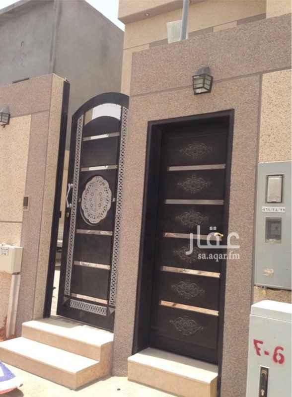 1810324 دور علوي ثلاث غرف نوم مجلس ومقلط وصاله ثلاث دورات مياه غرفة شغاله وغرفة سائق مكيفة ومطبخ راكب ومجدد دهان الدور والمدخل .