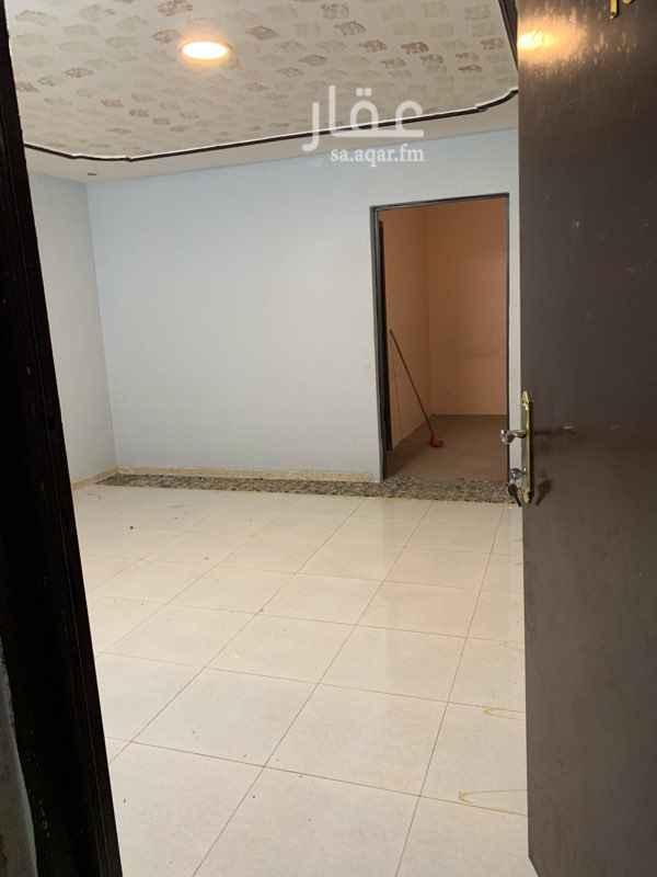 1686905 شقه ثلاث غرف وصاله وحمام ومطبخ راكب  شقه ممتازه وافضل من ممتازه