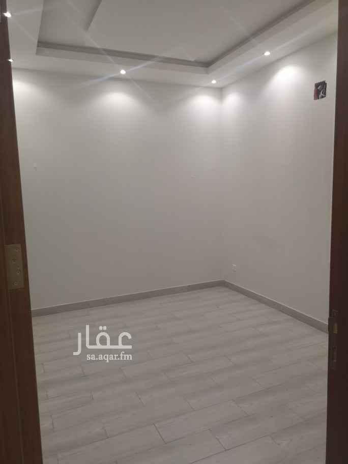 1812929 شقة حي الملك فيصل شارع ياقوت الحمامي غرفتين وصالة ومطبخ راكب و دورتين مياه  موقف سيارة إمكانية الدفع كل ٣ أشهر