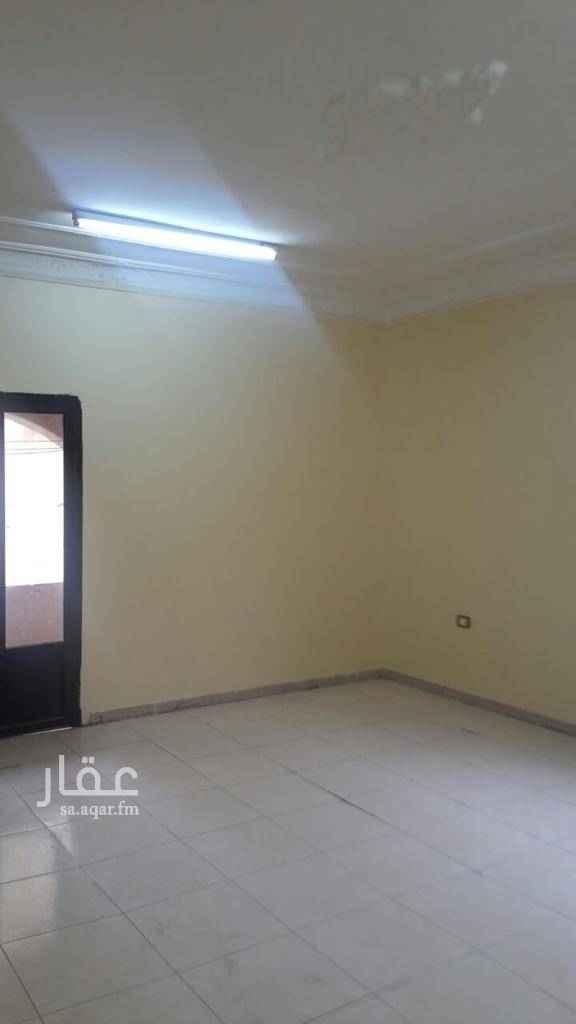 1653550 ٣ غرف صاله ٢ حمام مطبخ السعر شامل المياه