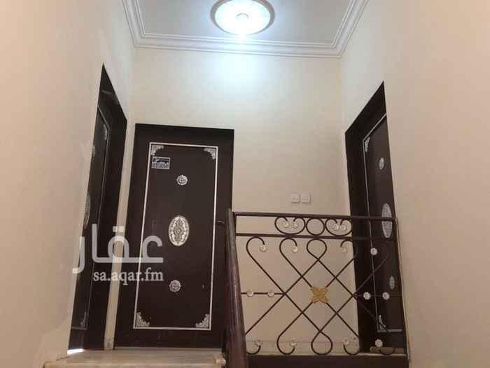 1595341 للسعوديين فقط  شقة عوائل شبه جديدة   الدور الثالث ( ملحق ) مجلس رجال  صاله غرفتين نوم مطبخ سطح   تم تجديد : الكهرباء - السباكة - الدهان