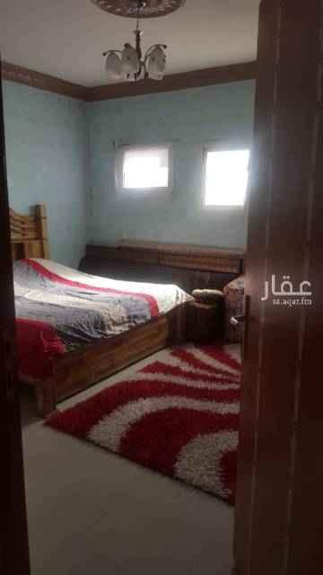 1503933 غرفة +صالة +حمام+ ومطبخ +سطح داخلي في حي الشروق الجنادرية الإيجار السنوي ٨٠٠٠على دفعتين  مطبخ راكب وغرفة نوم مع الشقة للتواصل 0598511890