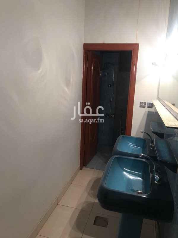 1338707 شقه 3 غرف وصاله و3 حمام ومطبخ  الدور الثاني عداد كهرباء مشترك مع سوداني