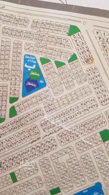 1676259 للبيع نص أرض في  مخطط الخالديه جزء ب   مساحه ٢٤٧م   شارع ١٥ شمالي    مطلوب ٣٥٠ الف  قريب من شارع عابر القارات   موقع الأرض نظيف