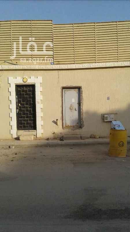 1563192 استراحه للبيع في حي القادسيه  قريب المسجد  شارع قابوس