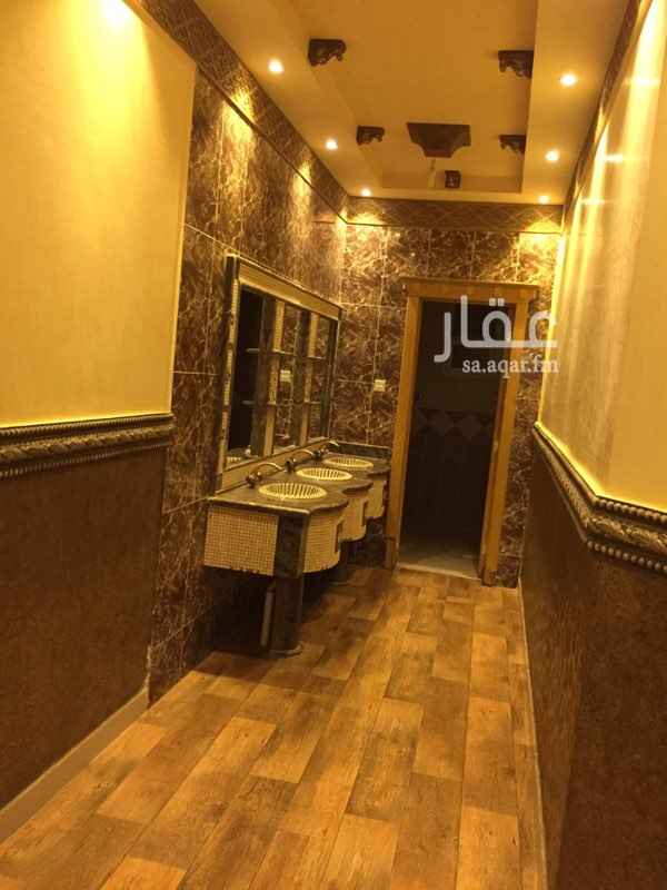 1298530 دور ارضي للايجار حي اليرموك الشرقي 5 غرف وصالة وملحق خارجي ومدخل سيارة ومستودع ومطبخ 400م مستخدم 38000ريال