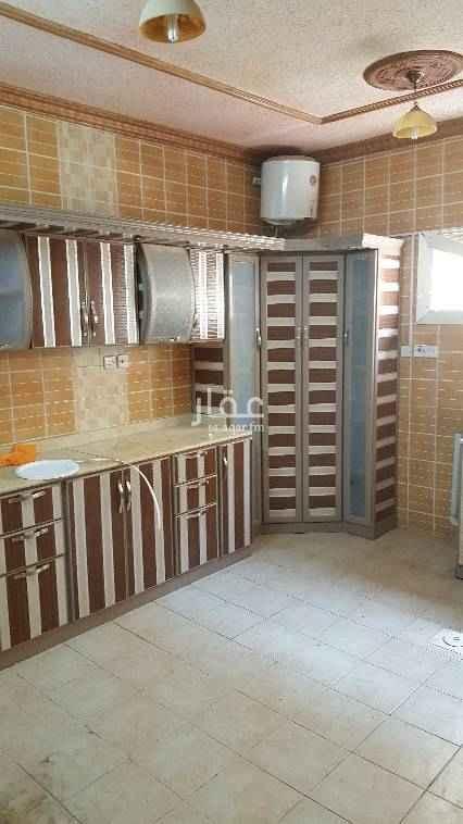 1529058 إيجار شقة ثلاث غرف وصاله ومطبخ واتنين دورات مياه حي النهضة كهرباء مشترك دور اول علي اليمين ملحوظة بدون مطبخ