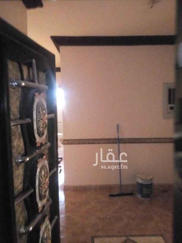 1763170 شقه للايجار حي اشبليا شارع عبدالله بن قيس دور اول اربع غرف وصاله وثلاث دورات مياه ومطبخ راكب  للاستفسار الاتصال على الرقم 0592044400