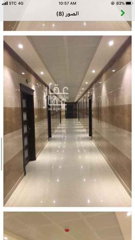 1799828 للايجار مكتبين جنب بعض مساحة كل مكتب 80 م  الموقع بعد جامع الملك خالد   للتواصل ابو سعود 0559955710