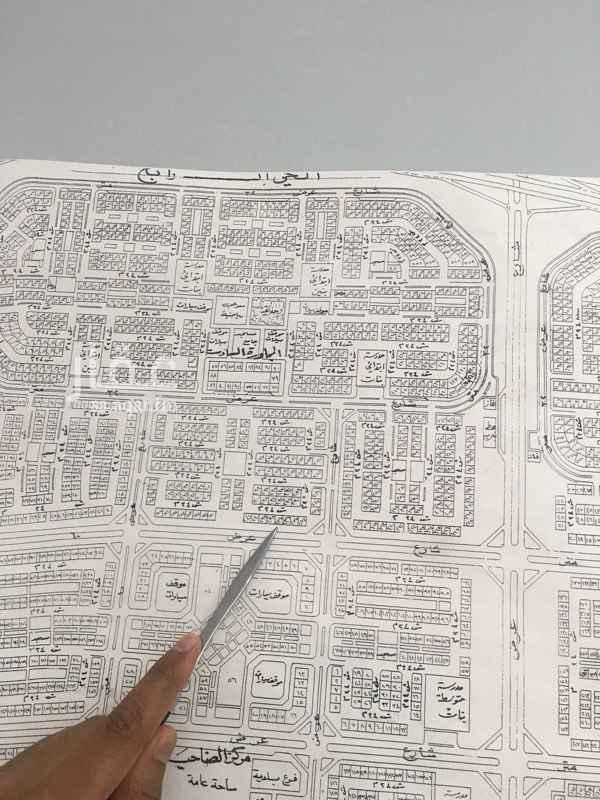 1445181 ارض ممتازه في ضاحية الدمام الحي الرابع السادس شارعين 60غرب و24 شرق  السوم 500 الف والبيع قريب ان شاء الله