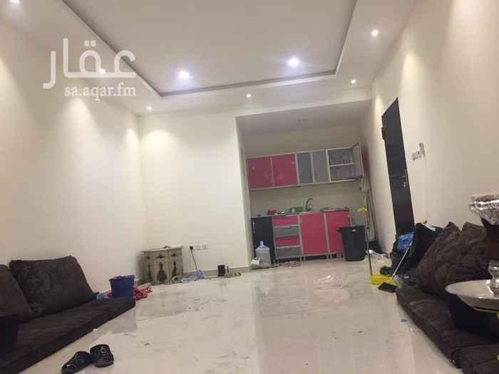 1397796 للإيجار غرفة مع حوش بحي العارض شمال الرياض   شمال طريق الملك سلمان  الاجار السنوي 15000 شامل المويه والكهرباء  الاجار الشهري 1500 شامل المويه والكهرباء  المطبخ راكب والتكيف راكب   الاستخدام 3 اشهر فقط  الاوكيشن دقيق  للتواصل 0581400066 ابوراكان