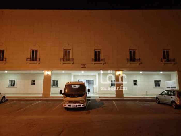 1208332 مكتب إداري بالدور الأول.. يتكون من عدد 3 غرفة وصالة كبيرة وعدد 2 دورة مياه ومطبخ ويوجد مكيفات اسبيلت.. ويوجد ترخيص.. للمفاهمه.. جوال /0560037799 جوال /0581017799