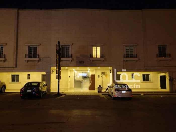 1208440 مكتب إداري بالدور الأول.. يتكون من عدد 3غرف وصالة وعدد 2 دورة مياه ومطبخ.. ولا يوجد ترخيص.. ويوجد حارس للعناية بالعقار.. للمفاهمه.. جوال /0560037799 جوال /0581017799