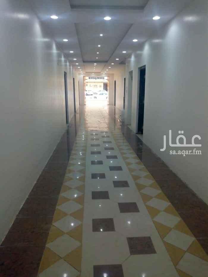 1642051 شقه عوايل للايجار بحي اليرموك  مكونه غرفه ودورت مياه  مكيفات راكبه  جميع الخدمات حول العقار
