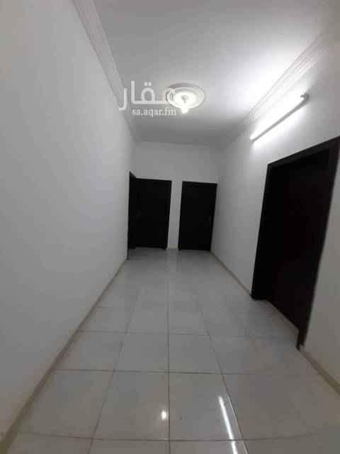 1808227 شقة عزاب للايجار بالقرينية  شقة تتكون من ثلاث غرف وحمامين ومطبخ وصالة ويوجد شقة بغرفتين وشقة بغرفة وحدة العمارة جديدة يوجد خدمات عداد مستقل للتواصل على 0560372870