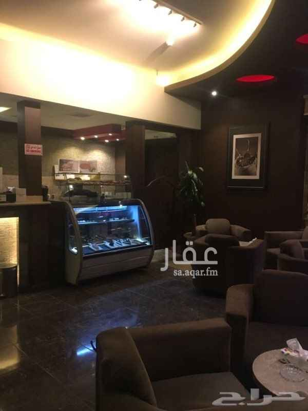 1538493 مقهى معروف بالمدينة بمساحة ١٤٧ محلين و٢ دورات مياة ومستودع السعر ٢٠٠ الف قابل للتفاوض
