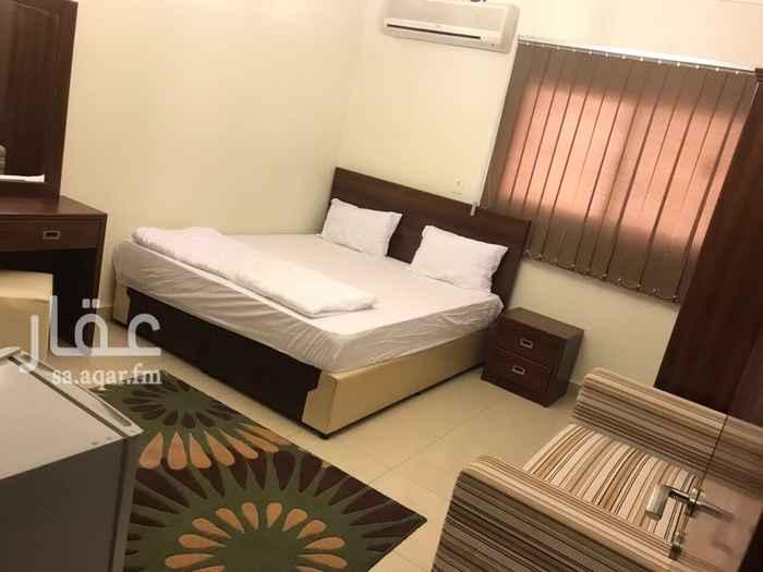841034 يوجد استديو وغرفه وصاله وغرفتين وصاله  نظيفه جدا  شامله الكهرباء والمياه