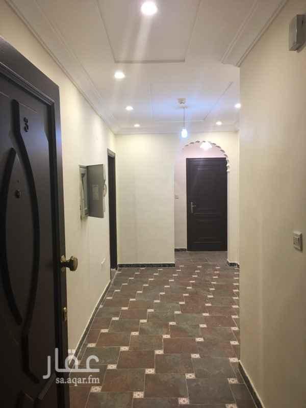 1645580 شقق للايجار الشهرى فى جده  الايجارات تشمل الكهرباء والماء .  الشقق تتكون من :  1- غرفة + مطبخ + حمام .  2- غرفتين +صالة + مطبخ + 2 حمام .  3- ثلاث غرف + صالة + مطبخ + 2 حمام .  المواقع :  1- البوادى . شارع الخطيب جديدة اول ساكن .  2- البوادى . خلف سوق الحجاز . 3- البوادى . خلف سوق البوادى . 4- المروه . طريق الامير ماجد تقاطع حراء . 5- صارى . مقابل هايبر باندا . 6- شارع قريش الرئيسى . ٧- الشرفية . الستين مع فلسطين للتواصل : 0560484357