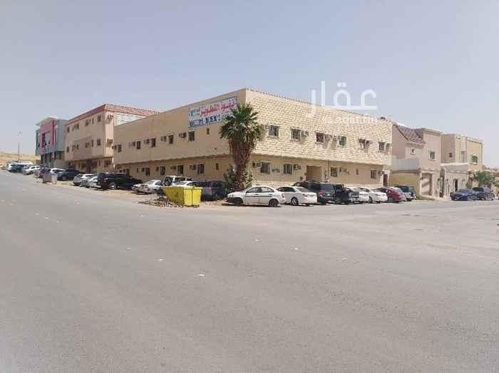 1692579 شقة بعمارة دور ارضي مكونة من مجلس وصالة و3 غرف نوم و 3 دورات مياه مطبخ راكب بدون مكيفات