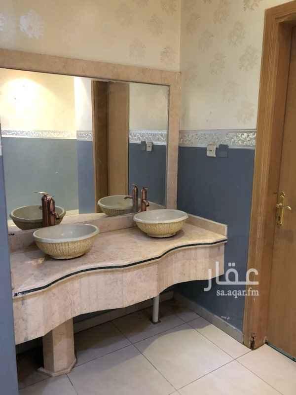 1345515 شقة في عمارة في الدول الاول ٣ غرف وصالة مع دورتين مياه ومطبخ للعوائل