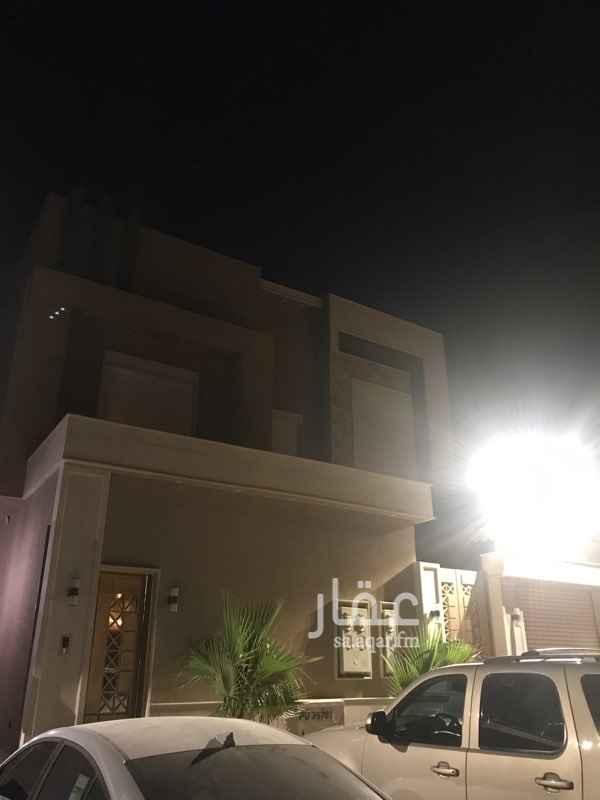 1695932 موقع مميز قريب من الخدمات شقة مدخلين دور الاول تكون من :  3 غرف + صالة + مطبخ راكب + 2 حمام   لتواصل : 0500635988