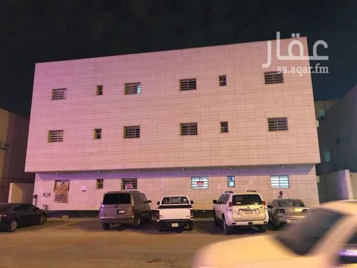 1032474 للايجار شقة في حي المروج داور ارضي على شارع مكيفات شباك راكبة مطبخ راكب   عبدالله 0550507223     ابو  روان  0500513056