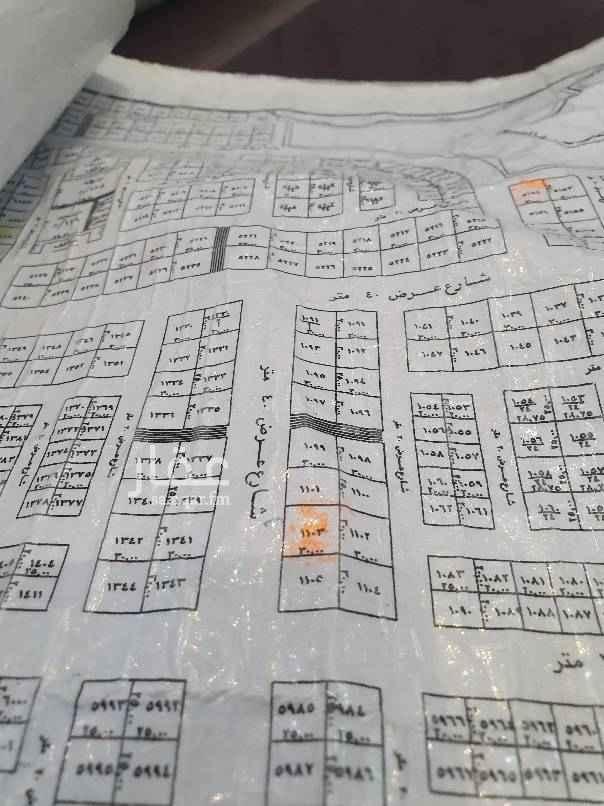 1693547 ارض تجارية ٩٠٠م العرضي الخامس بالمهدية (اول تقاطع بعد شركة الكهرباء) شارع ٤٠ طبيعتها ممتازه جدا حد بيع ٩٠٠ ألف