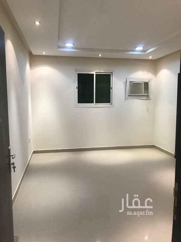 1520550 شقة في عمارة الدور الثاني عبارة عن مجلس وصالة وغرفتين نوم وحمامين ومطبخ راكب ومكيفات شباك