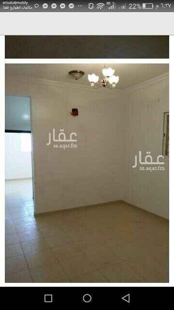 1745359 شقه بفلا حي عكاظ 3غرف وصاله ومطبخ وحمام غرب مسجد الاحسان للتواصل وتس0561501497