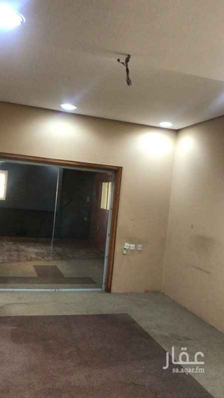 1785798 مكتب للإيجار  مقابل مدينة الملك فهد الطبية 5 غرف 1 مطبخ يمكن تحويله إلى غرفة 2 دورة مياه  الإيجار السنوي 45000