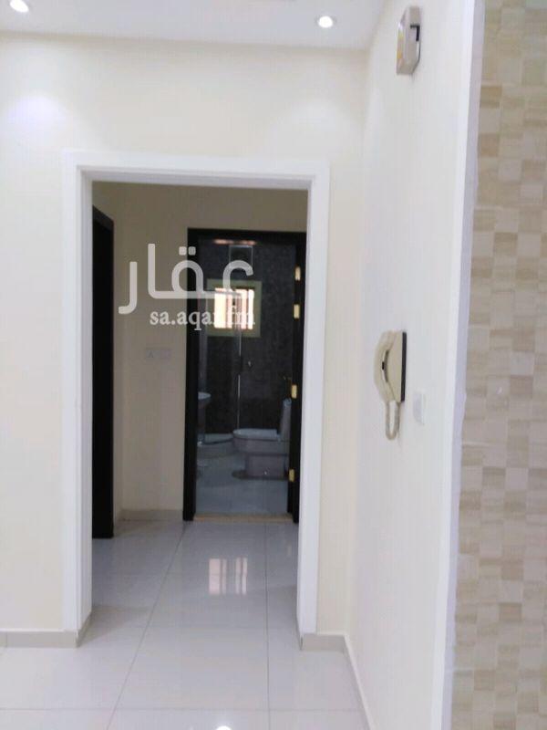 1367522 فيلا روف مساحة ١٥٠  5غرف نوم  غرفة خادمه غرفة سواق  سطح مساحة 50 م  السعر ٦٥٠الف ريال  الموقع غير دقيق