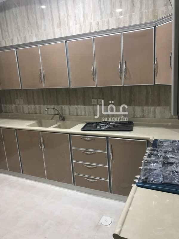 1400550 شقة في فيلا (جديدة) حي الهدا  مجلس + صالة + غرفتين نوم + مطبخ راكب   +مكيفات راكبة اسبلت