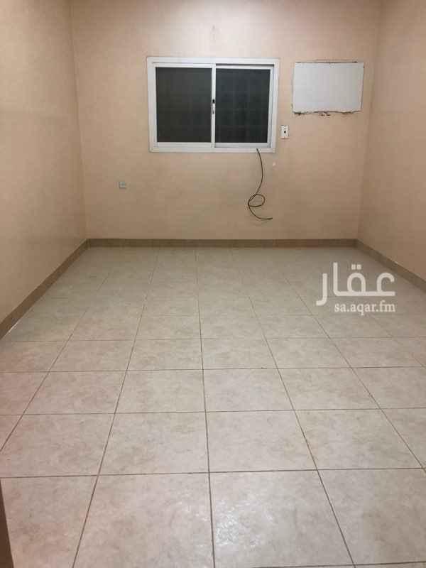 1545450 شقه عوائل حي العقيق  قريبه من الحديقه  تتكون من  ٣ غرف وصاله ومطبخ ٢ حمام  راكب مطبخ بدون مكيفات
