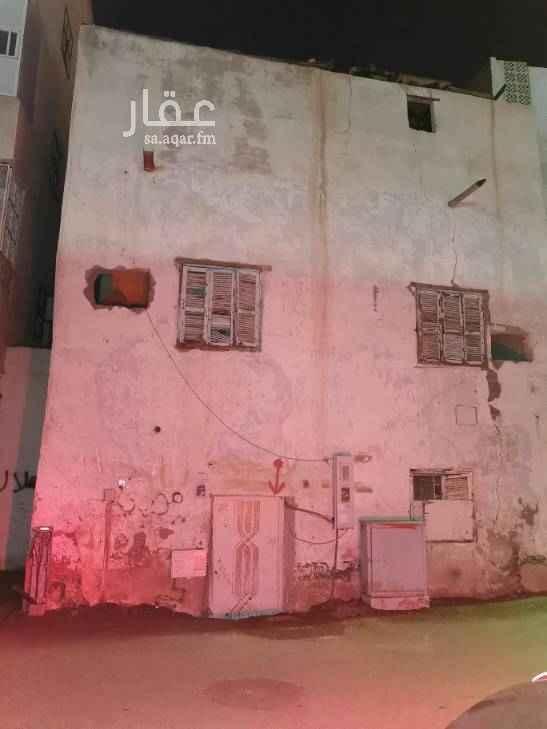 1642052 بيت شعبي مكون من دورين ٦ غرف و٣ حمامات ومطبخ. للايجار السنوي أو الشهري. عوائل أو عزاب. بحي النصر بالمدينة المنورة.
