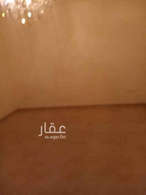 1770489 دورللايجارفي حي النهضه روف مع السطح ٦غرف مكيفات وطبخ راكب