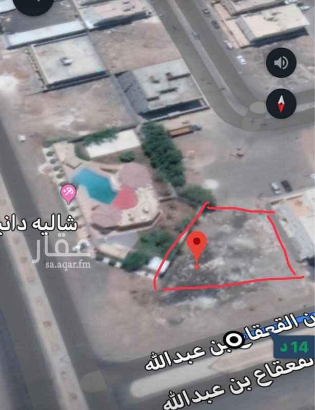 1687828 أرض مميزة (تجاري سكني) واجهة شالية شارع ٤٠م وجنوبية مواقف