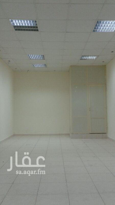 1582305 محل تجاري على شارع الخبر تقاطع 23 للتواصل 0566709000 - 0506793114