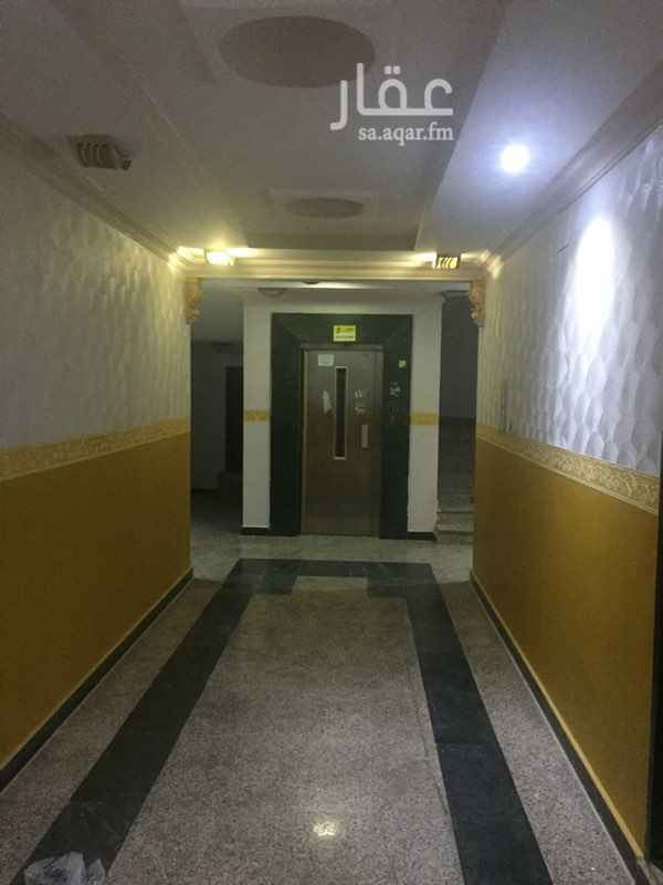 1803262 شقة جديدة للبيع مساحة الغرف كبيرة و يوجد مصعد بالعمارة موقع الشقه مقابل مسجد العودة يوجد الكثير من الخدمات بجانبها   للاتصال و الاستفسار /   0563364448