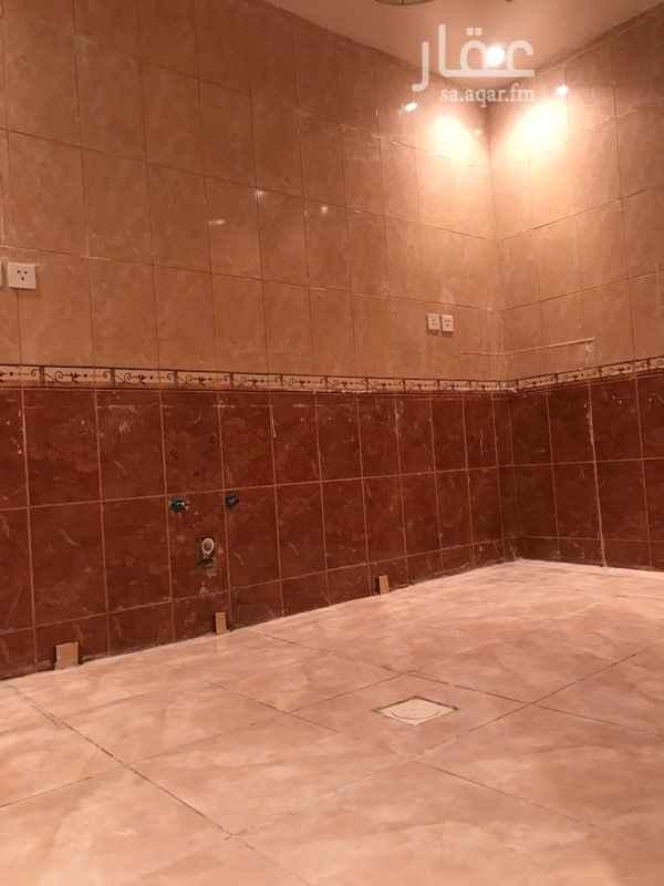 1499527 شقة مدخلين صالون + صالة 3 نوم مطبخ + حمامين العمارة جديدة الوحدات الساكنة اقل من 8 وحدات عقد صيانة سنوي للمصعد. للمعاينة/ 0531169810