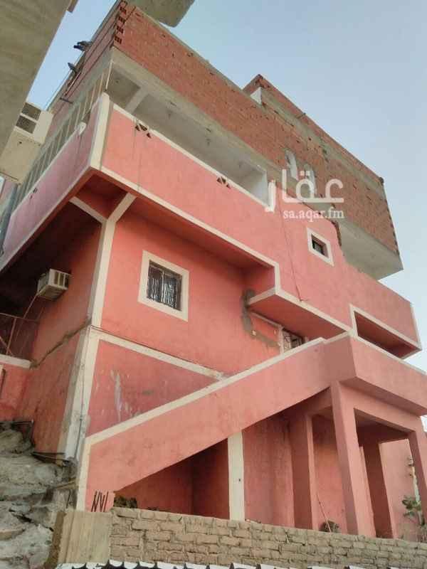 1008948 مساحة العماره 152م في شارع الحج الدور الأول ٤ غرف والدور الثاني ٤ وملحق من غرفتين ملاحظه (الموقع غير صحيح)