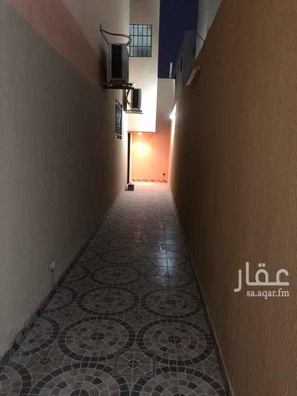 1725956 شقة مدخل خاص عبارة عن مجلس وغرفتي نوم وصالة ودورتين مياه + غرفة ودورة مياه في السطح