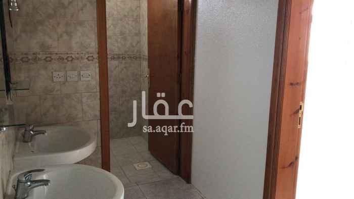 1450343 شقة بمدخل مستقل مقابل حديقة التحليه  خزان ماء خاص وملحق مع سطح مستقل