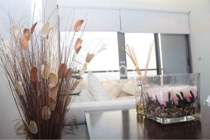 1540011 شقة موثثة وفاخرة لايجار في برج داماك مطلة على البحر مباشرة *تتكون من :  -غرفة نوم باطلالة بحرية  -صالة معيشة مطلة على البحر -حمامين (وانتم بكرامة)  -مطبخ امريكي  *مميزات الشقة :  -تكييف مركزي  -ارضيات باركيه -مجهزة بكل شي