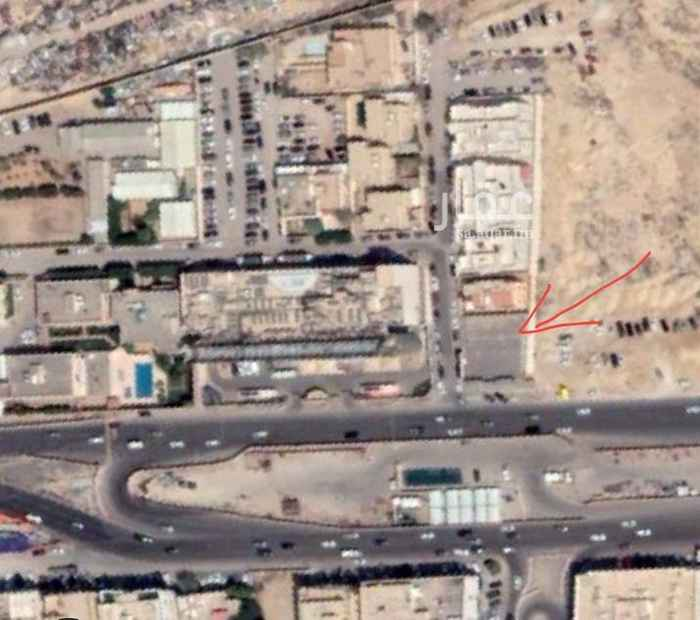 1516676 على طريق الملك عبدالعزيز و طريق فرعي موقع استراتيجي، يبعد امتار من مدخل المترو المنطقة ذو مستقبل تجاري و ترفيهي واعد تصلح لمباني مقاهي او مطاعم عالمية او اخرى