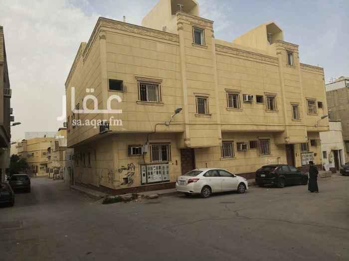 1391899 عماره سكنية تتكون من ثلاث ادوار كل دور به اربع شقق كل شقه بها ثلاث غرف وحمامين ومطبخ